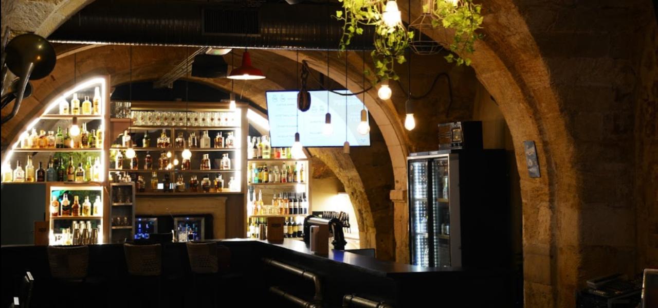 https://www.levrettecafe.fr/wp-content/uploads/2021/05/LC-Bordeaux-4.png