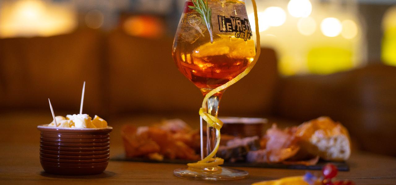 https://www.levrettecafe.fr/wp-content/uploads/2021/05/LC-Bourg-en-bresse-5.png