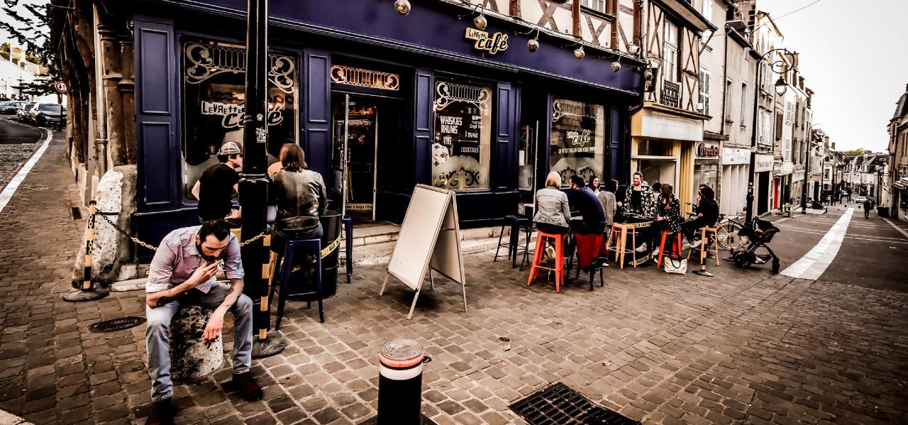 https://www.levrettecafe.fr/wp-content/uploads/2021/05/LC-Bourges-6.png