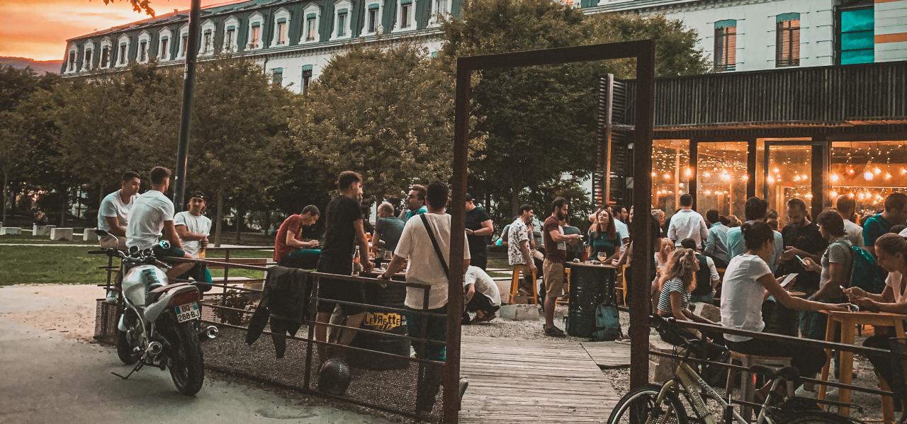 https://www.levrettecafe.fr/wp-content/uploads/2021/05/LC-Grenoble-4.png