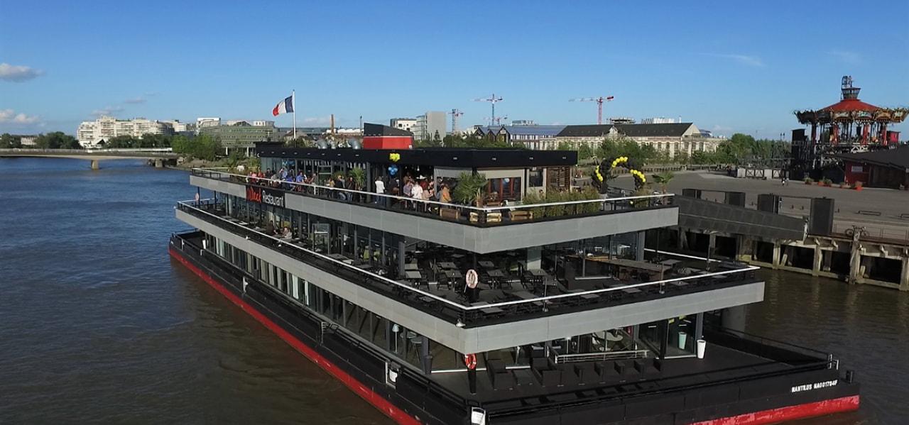 https://www.levrettecafe.fr/wp-content/uploads/2021/05/Levrette_cafe_barge.jpg