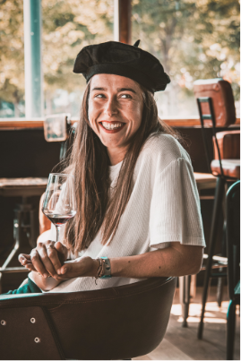 https://www.levrettecafe.fr/wp-content/uploads/2021/05/levrette-sourire.png